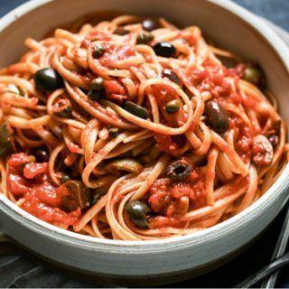Espaguetis a la puttanesca de Jamie Oliver