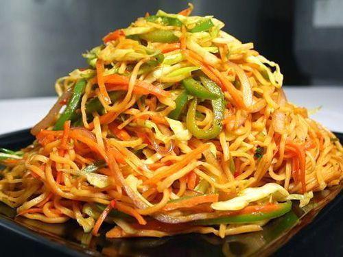 Tallarines chinos con verduras