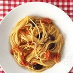 Receta de espaguetis con tomatitos y aceitunas
